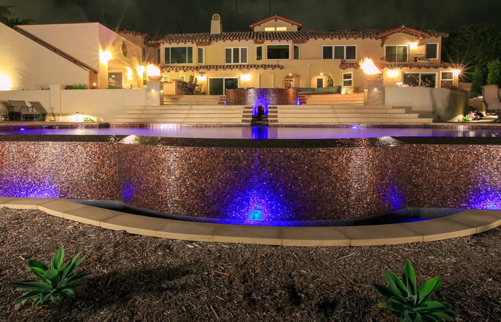 Lavish And Luxurious Outdoor Living Spaces $style In $location