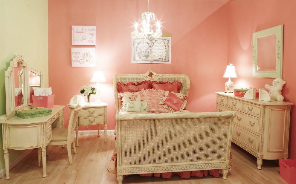 Ashlyn Furniture Traditional Kids And Bed Chandelier Cottage Desk