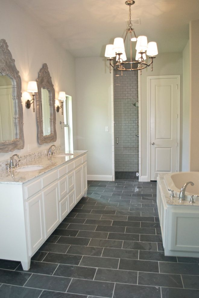 Bannister Custom Homes With Bathroom