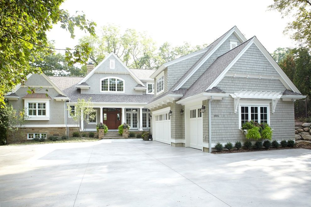 Can Vinyl Siding Be Painted With Traditional Exterior And Board And Batten Driveway Entrance