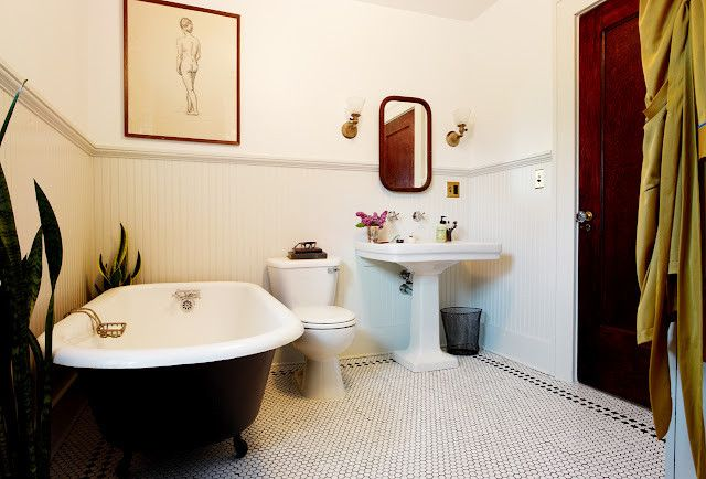 Craigslist Bathtubs With Shabby Chic Style Landscape Also Brick Floor Candles Claw Foot Tub Freestanding Leaves Outdoor Bathtub Lighting Living Space Relaxation Secluded Spot Willow Tree Finefurnished Com