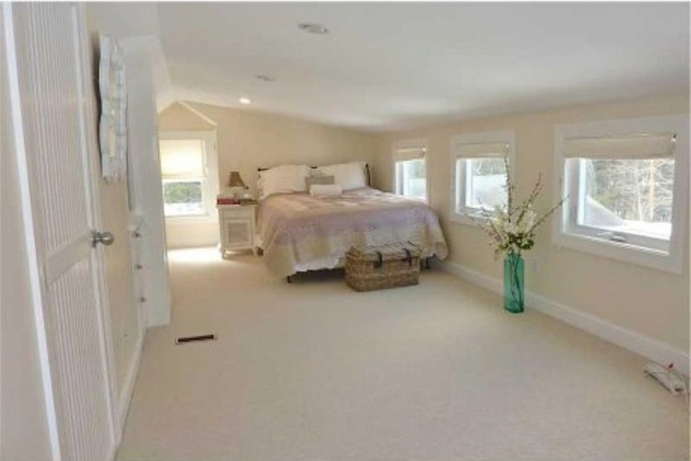 Devet Cover Traditional Bedroom Also Beige Carpet Walls Blue Transpa Vase Paint Master