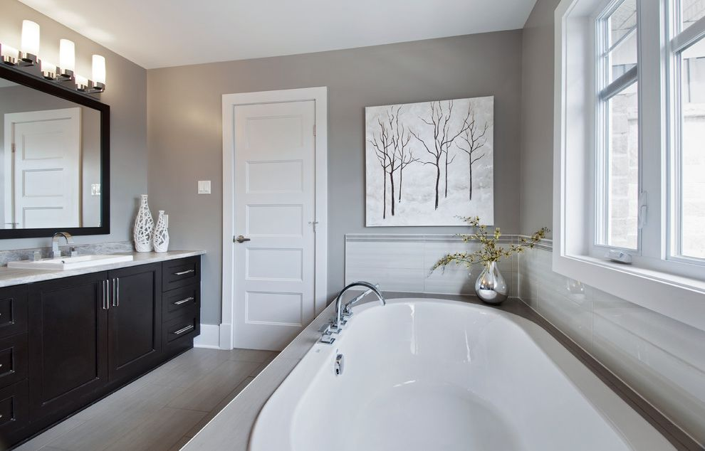 Dorian Gray Painting with Traditional Bathroom and Contemporary ...