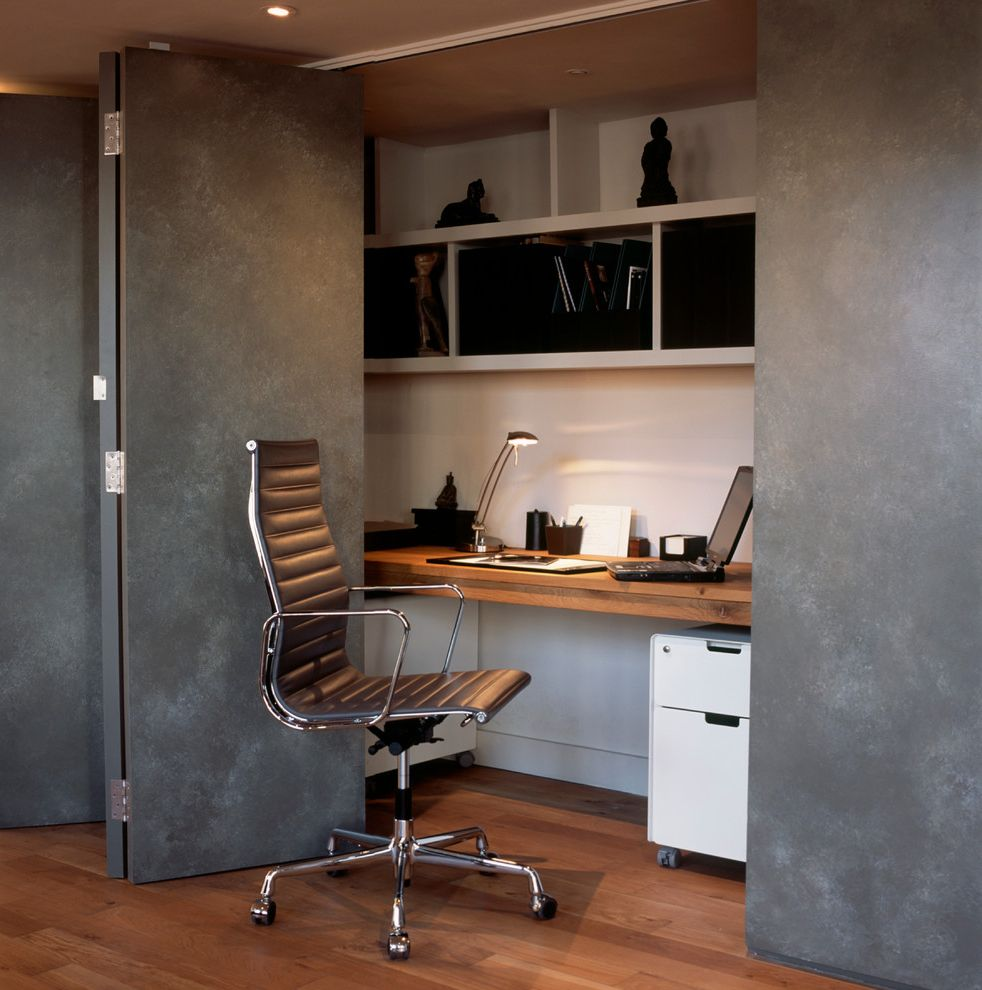 Enclosed Desk with Traditional Home fice Also