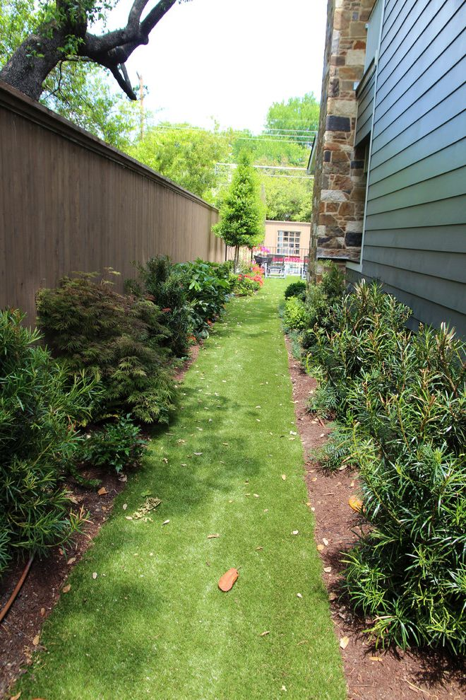 Fake Grass for Dogs   Traditional Landscape Also Artificial Grass Dog Run Side Yard Small Yard