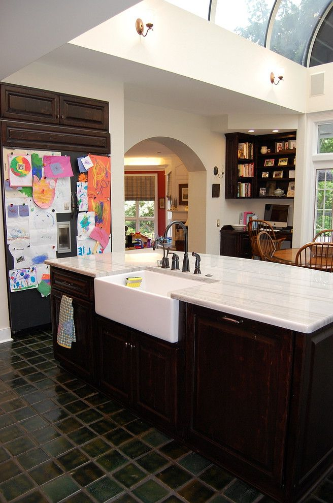 Farmhouse Sink Sizes with Traditional Kitchen  and Apron Sink Archway Black Appliances Eat in Kitchen Farmhouse Sink Kitchen Desk Kitchen Hardware Kitchen Island Kitchen Shelves Skylights Tile Flooring