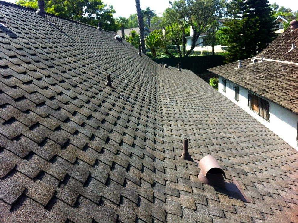Grand Sequoia Shingles   Rustic Spaces Also Cedar Shake Composition Shingle Daylighting Gaf Roof Roof Overhang Roofing Roofline Skylights