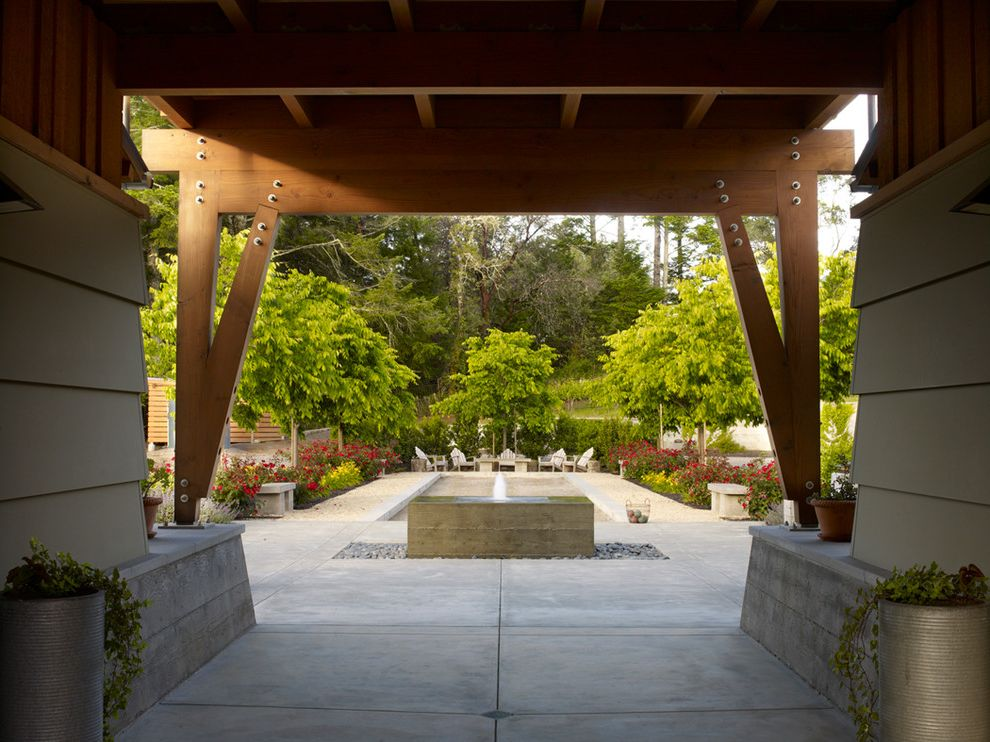 Healdsburg Spa   Traditional Landscape Also Bocce Fountain