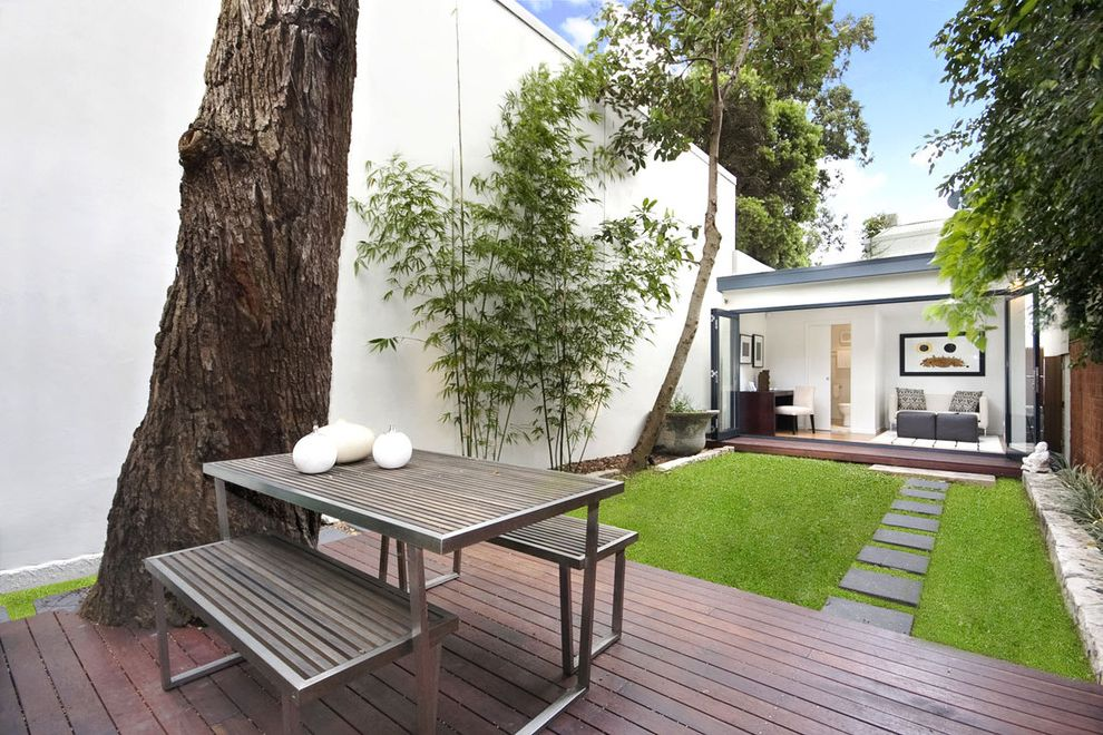 Contemporary Courtyard $style In $location