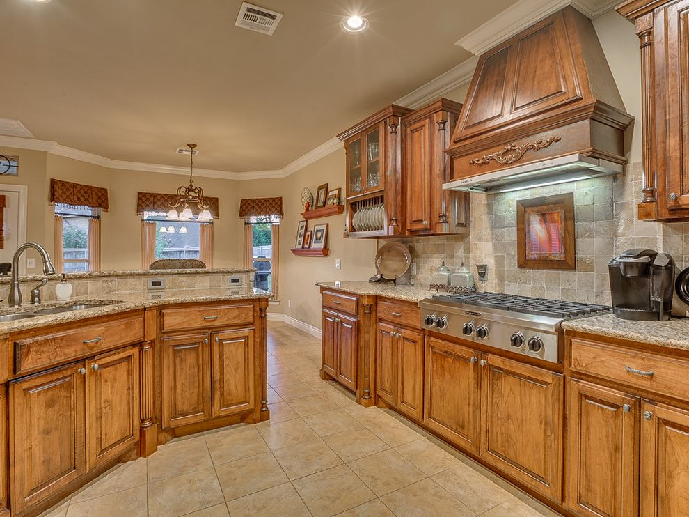 Keller Williams Okc   Traditional Kitchen Also Deer Creek Design Forsale Home House Keller Williams Okc Oklahoma Oklahomacity Wyatt Poindexter