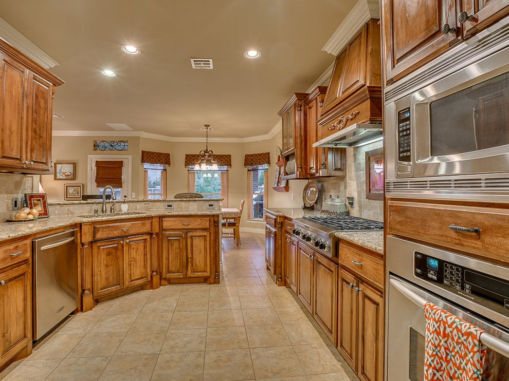 Keller Williams Okc   Traditional Kitchen  and Deer Creek Design Forsale Home House Keller Williams Okc Oklahoma Oklahomacity Wyatt Poindexter