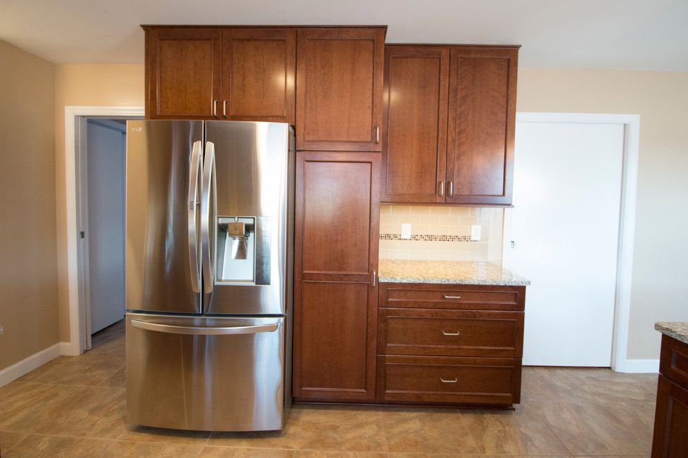 Ketchum Kitchens with Modern Kitchen Also Angle Cabinet Cherry Free Standing Range Glass Backsplash Mauk Medicine Cabinet Microwave Hood Ohio Pendant Lights Peninsula Shaker Simple Storage Tile Shower Tub with Tile Undermount Sink