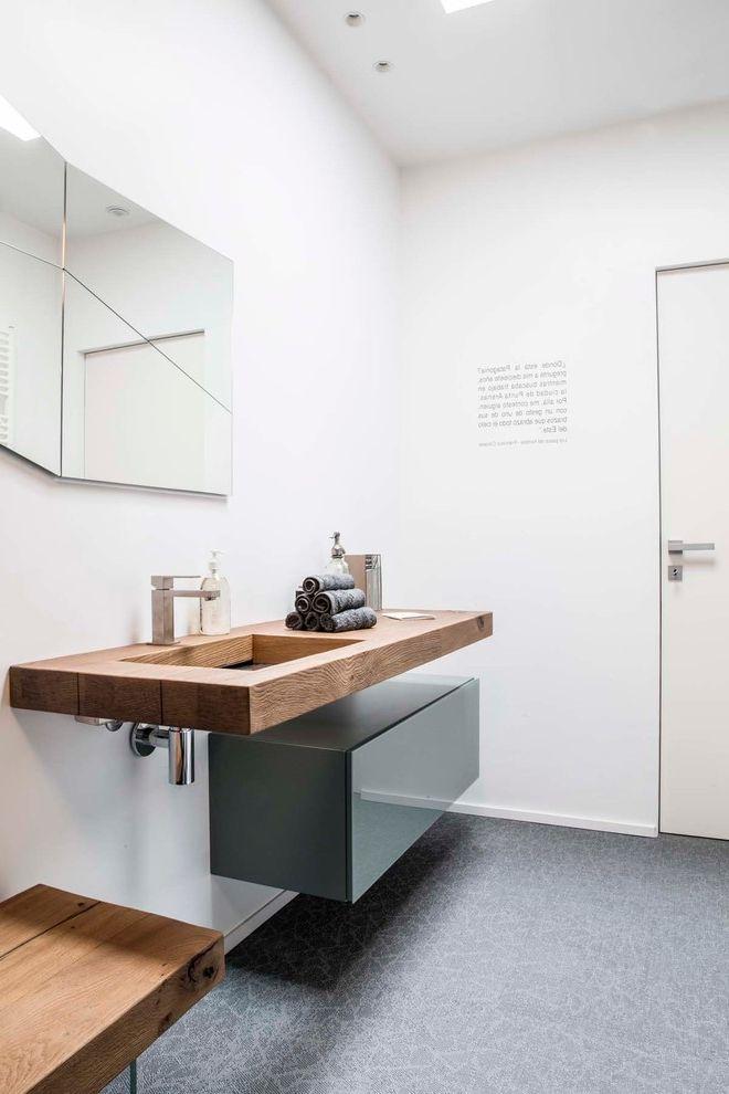 Kirklands Mobile Al   Contemporary Powder Room  and Bagno Minimal Bagno Moderno Muro Bianco Pavimento Grigio Pensile Grigio Piano in Legno Rubinetto Moderno Specchio Moderno