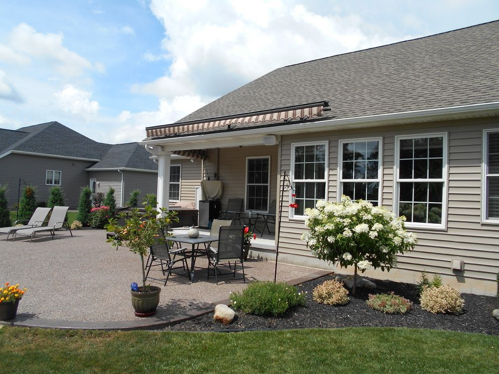 Kohler Awning with Traditional Spaces  and Eclipse Retractable Awning