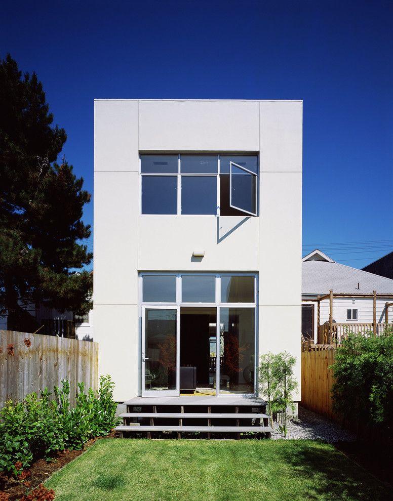 La Habra Stucco   Modern Exterior Also Back Garden Backyard Bonelli Fence Flat Roof Large Window Lawn Patio Door Step