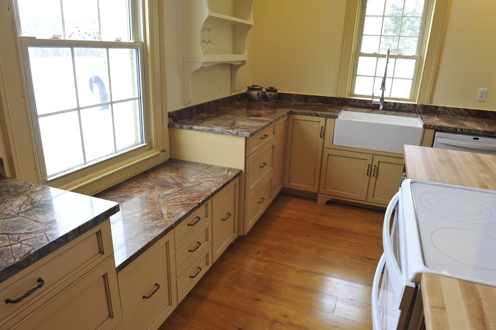 Lowes Apron with Traditional Kitchen and Traditional