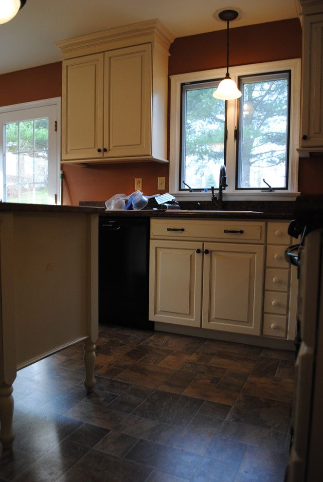 Lowes Avondale Pa with Traditional Kitchen Also Black Appliances Glazed Cabinets Laminate Countertop Laminate Tile Floor Oil Rubbed Bronze Fixtures Painted Cabinets Shenandoah Wilsonart