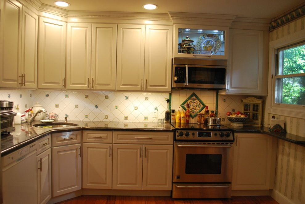 Lowes Medford   Traditional Kitchen  and Microwave Hood Clean Top Electric Stove