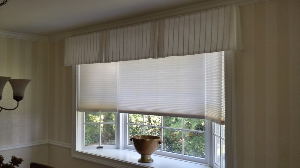 Mangia Watertown Ct    Dining Room Also Shades Valances