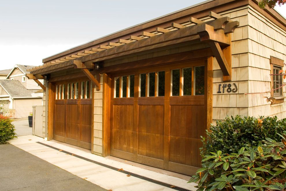 Maui Garage Doors   Craftsman Garage Also Asian Craftsman Garage Door House Numbers Shingle Siding Trellis