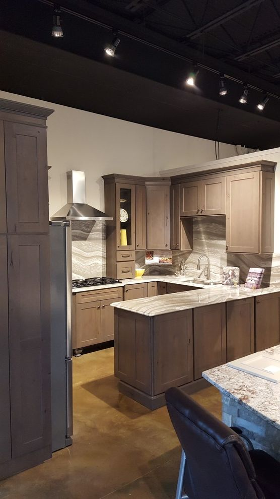 Midsouth Appliances with Craftsman Kitchen and Bar Area Bathroom Vanities Cabinets Kitchen Laundry Room Cabinetry Mud Room