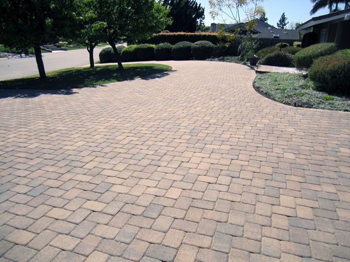 Orco Pavers with  Spaces Also Interlocking Pavers Orco Pavers Round About Driveway West Hills Masonry