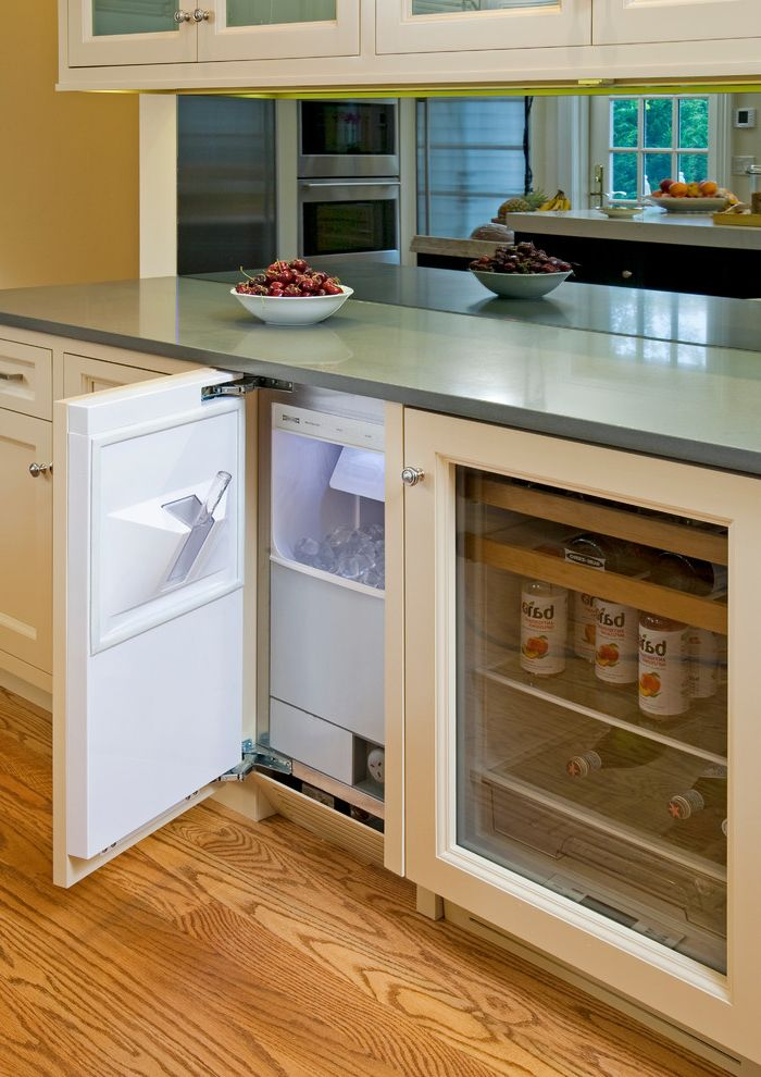 Pellet Ice Maker with Traditional Kitchen  and Beverage Refrigerator Counter Top Fruit Glass Cabinets Ice Maker Kitchen Harware Mirror Oak Floor Paint White Wood Floor