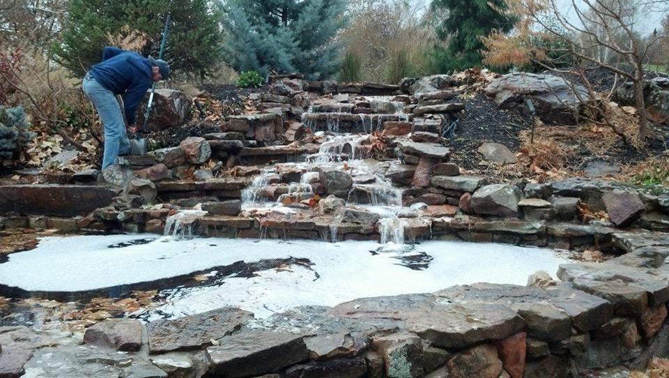 Photographers in Kansas City    Spaces Also Memorial Fountains Kansas City Architectural Pool Fountai