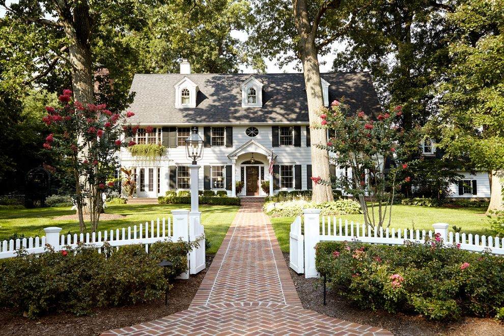 Pickett Fences with Traditional Exterior  and Traditional