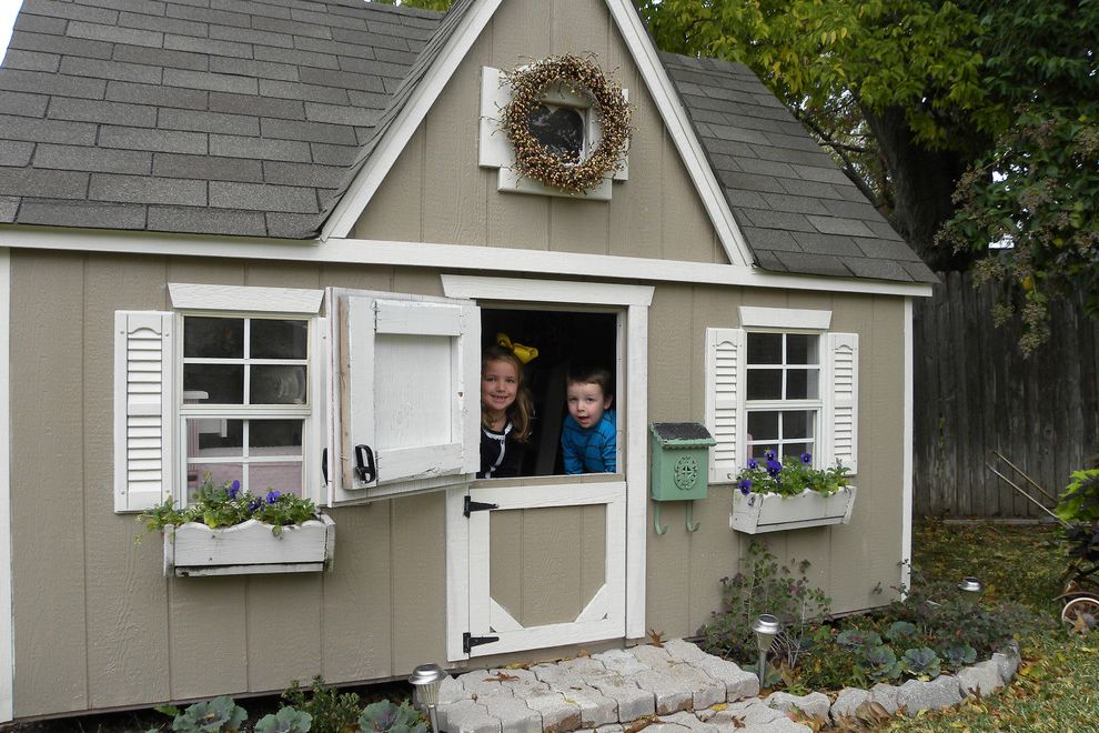 Playhouse Dallas with Traditional Kids  and Play House Shabby Chic