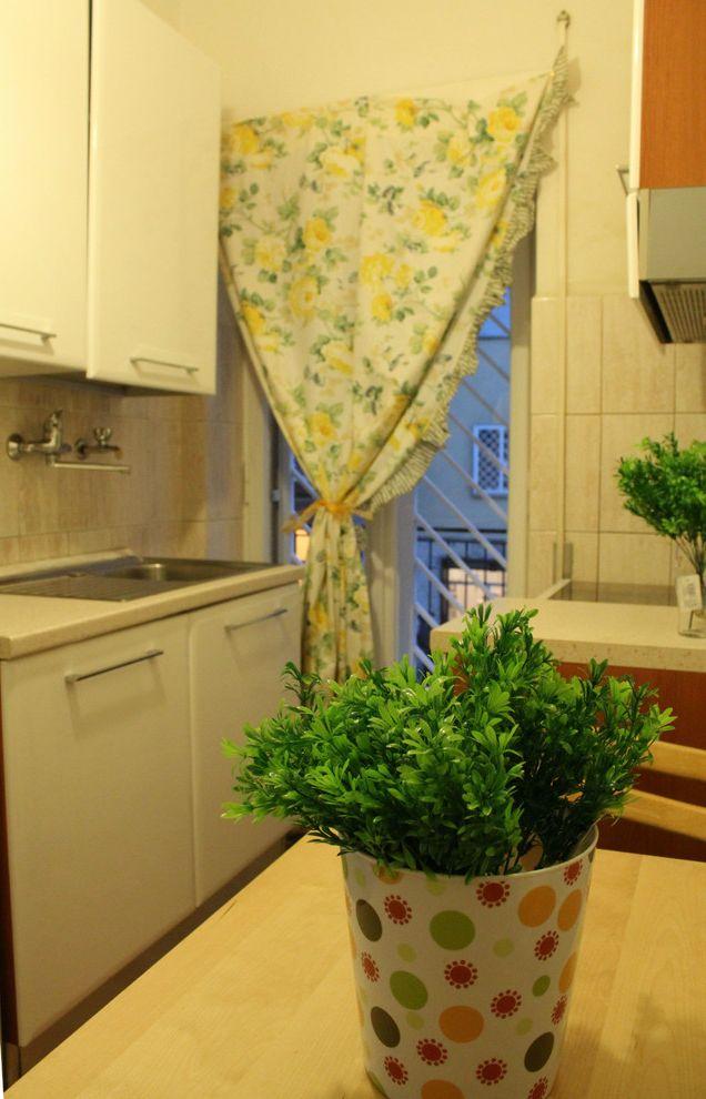 Smi Homes with Modern Kitchen Also Abbinmento Rosso E Viola Allestimento Abitazione in Vendita Allestimento Home Staging Home Staging Roma Japanese Style Oriental Style Relooking Restyling