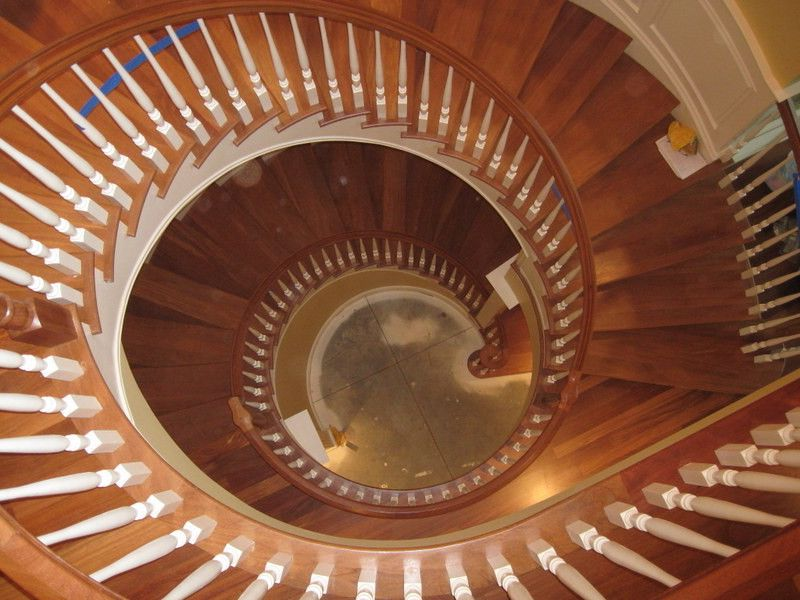 Tradition Curved Staircase $style In $location