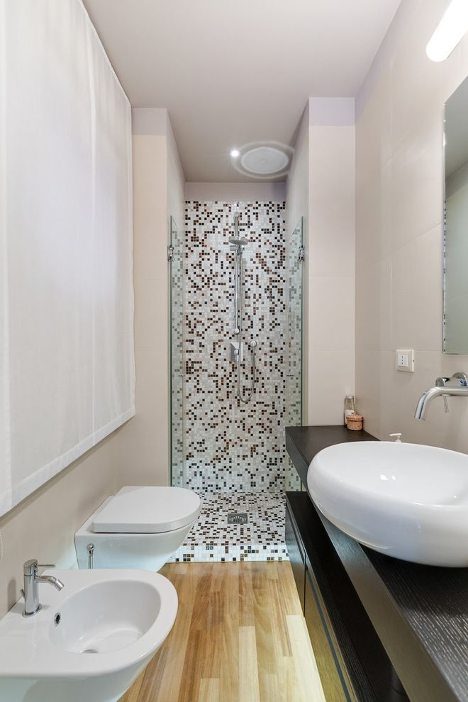 Spazio Braintree Ma   Modern Bathroom Also Bagno Moderno Box Doccia Faretto Lavabo Moderno Mosaico Parquet Sanitari Bianchi Tenda Bianca a Pacchetto