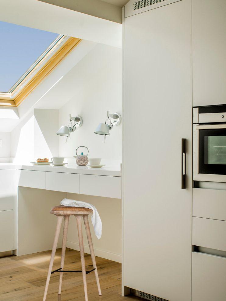 Tall End Table with Drawers   Contemporary Kitchen  and Apartamento Blanco Calido Chimenea Confortable Escalera Minimal Susanna Cots Terraza