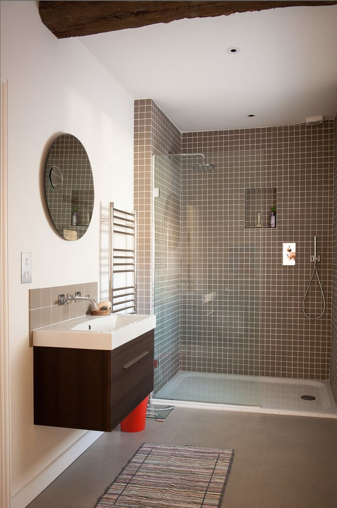 Tileable Shower Base   Farmhouse Bathroom Also Brown Tile Freestanding Vanity Grey Tile Renovation Round Mirror Shower Alcove Shower Niche Shower Tile Walk in Shower