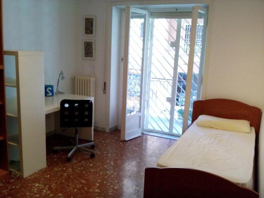 Toto 1.6 Gpf 6.0 Lpf   Modern Spaces Also Abbinmento Rosso E Viola Allestimento Abitazione in Vendita Allestimento Home Staging Home Staging Roma Japanese Style Oriental Style Relooking Restyling