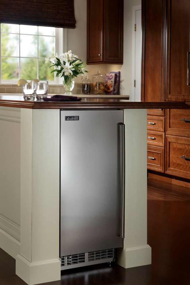 Undercounter Freezer with Ice Maker with Traditional Kitchen Also Ice Ice Machine Ice Maker Perlick Top Hat Ice