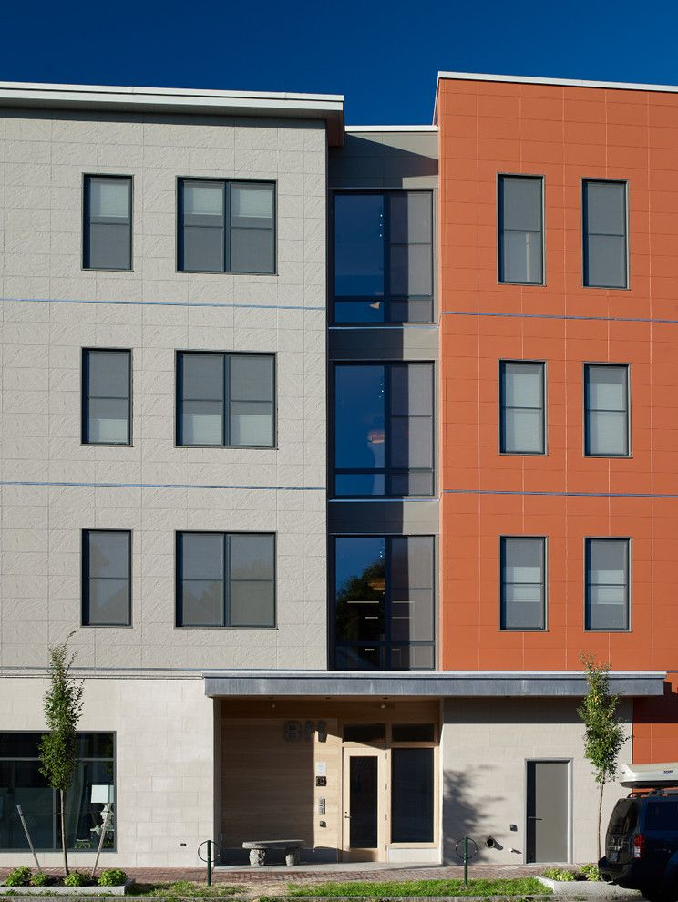 Unilux Windows with Modern Exterior and 118 on Munjoy Darren Setlow Photography Hancock Lumber Home Again by Hancock Lumber Maine Munjoy Hill Portland Unilux Windows and Doors Wright Ryan Construction