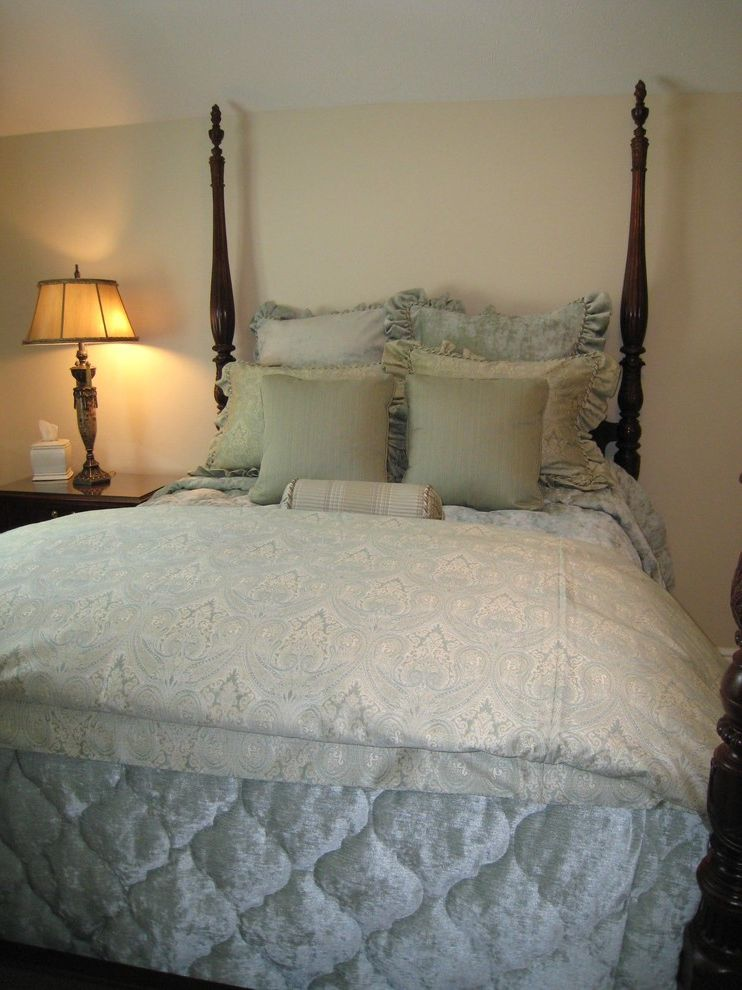 Waugh and Allen with Traditional Bedroom  and Ethan Allen Four Poster Bed Rice Carved Bed Seafoam Green Bedding Traditional