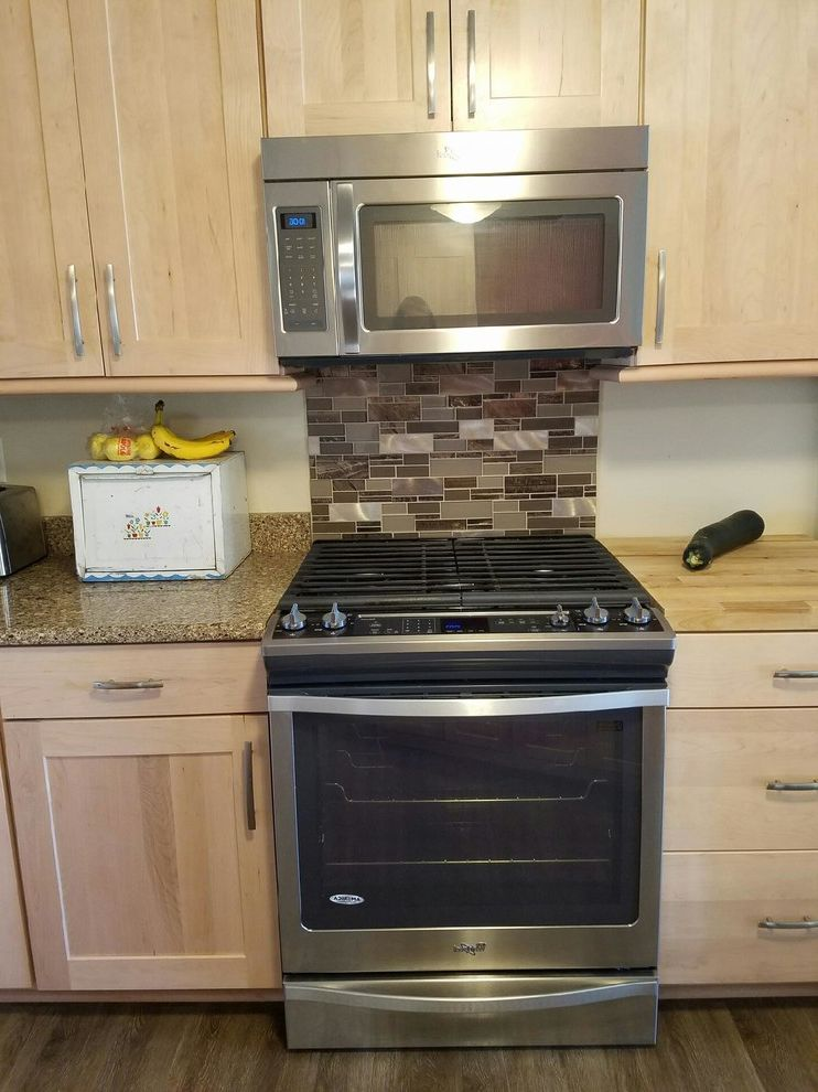 Whirlpool Otr Microwave with  Spaces  And