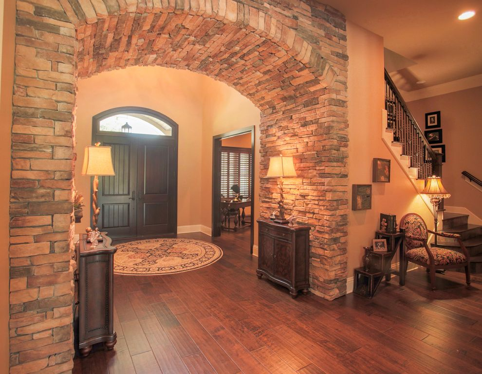 Olivera Construction   Rustic Entry  and Foyer