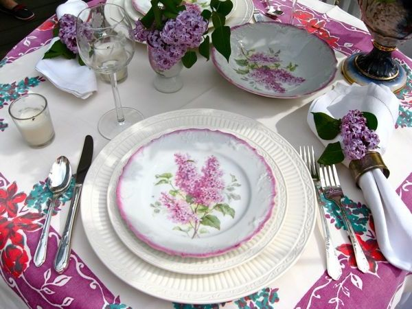 Dinner Plate Chargers with Traditional Dining Room  and Traditional