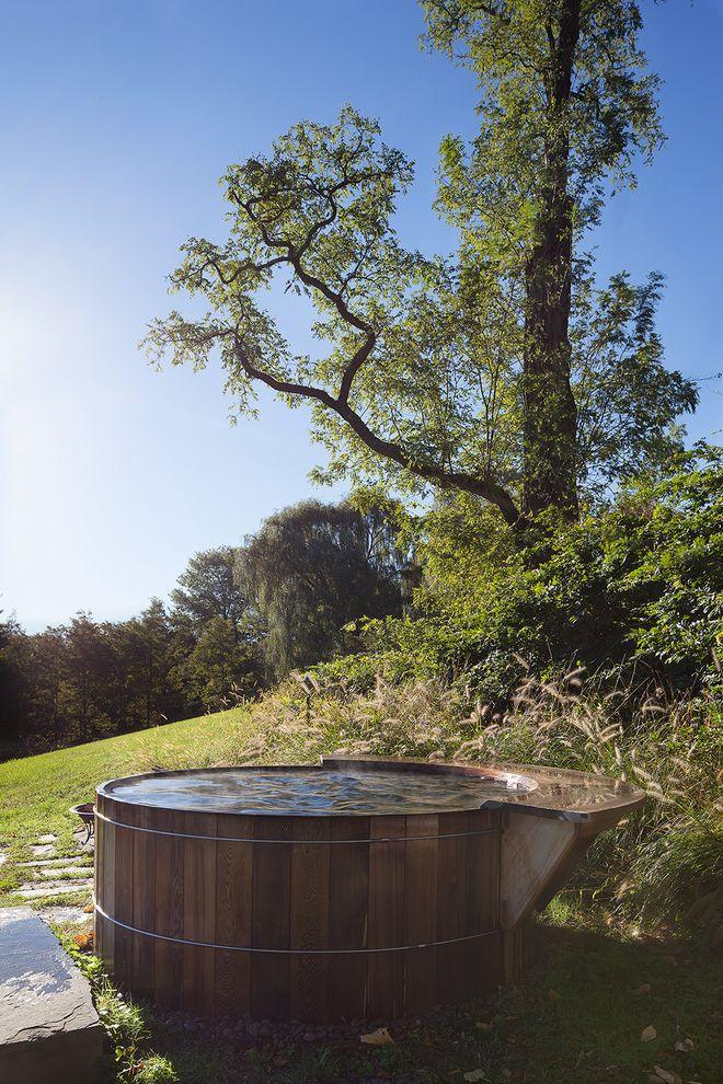 Round Wood Hot Tub   Traditional Pool Also Above Ground Pool Bathing Cedar Hot Tub Ipe Long Windows Modern Pool Round Pool Sauna Scenic Soapstone