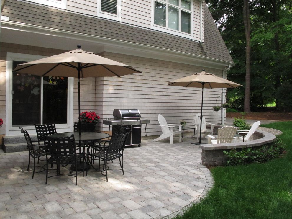 Weber Genesis 6511001 E 310 with Traditional Patio  and Brussels Block Concrete Paver Patio Seat Wall