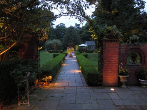Ambiente Raleigh with Traditional Landscape  and Raleigh Driveway Lighting Raleigh Landscape Lighting Raleigh Outdoor Lighting Raleigh Path Lighting Raleigh Pathway Lighting