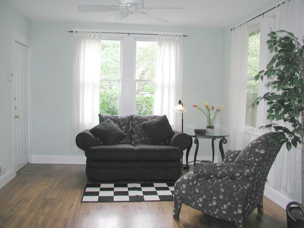 Annies Austin    Living Room  and Front Room Vacant Staged on a Low Budget