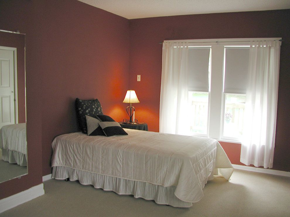 Annies Austin with  Bedroom  and Vacant Staged on a Low Budget