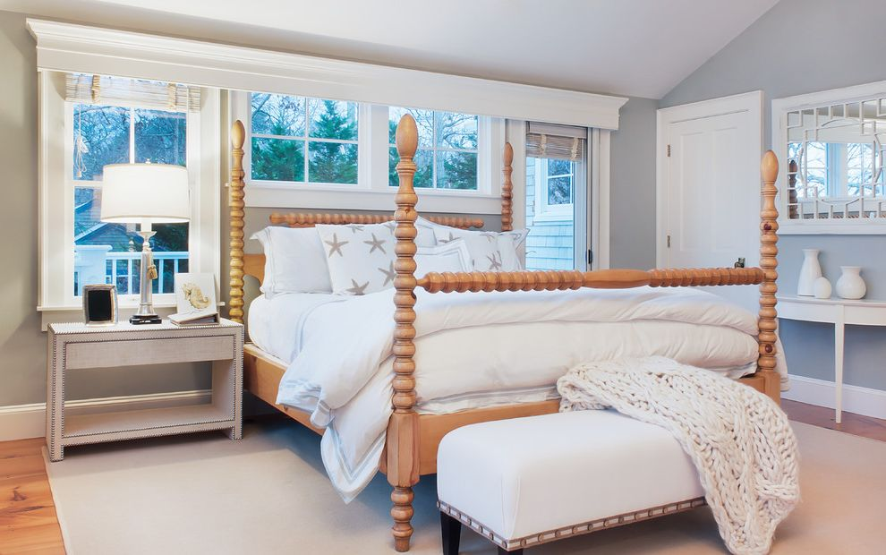Beachy Bedding   Beach Style Bedroom Also Beach Style Bedroom Bench Cornice Board East Orleans Four Poster Bed White Room White Trim