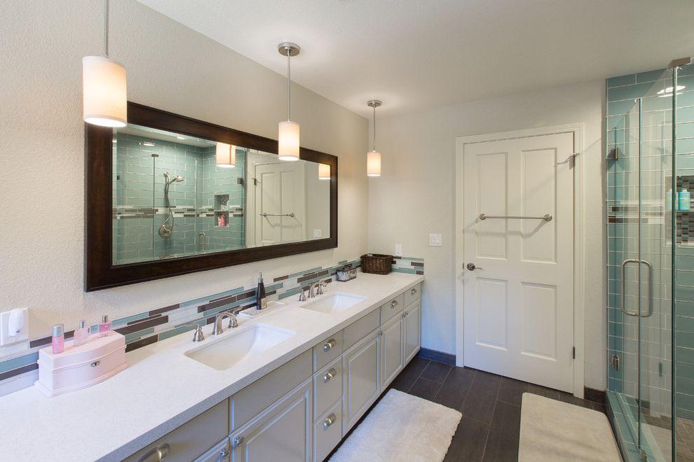 Ross Modesto Ca with  Bathroom Also