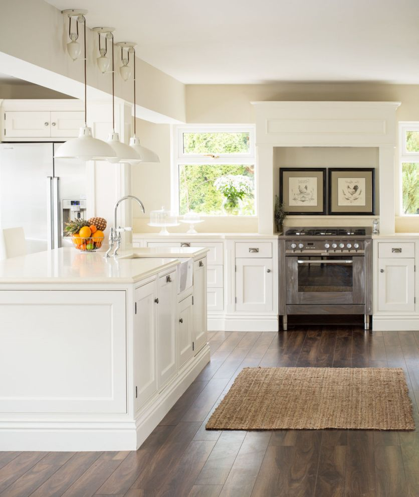 Samsung Stoves   Traditional Kitchen Also Cream Colored Countertop Cup Pulls White Pendant Lights